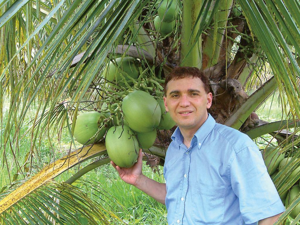 Tko je Dr. Antonio Martins?