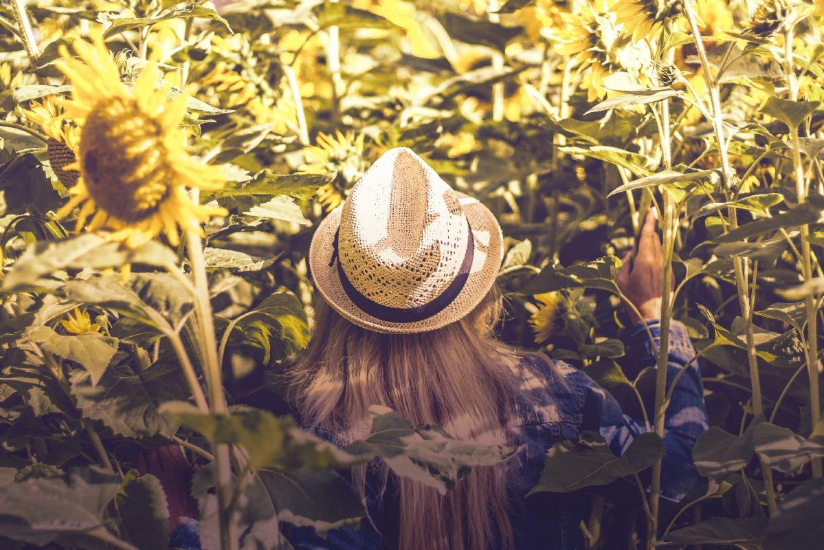 4 nasveti kako s prehrano zaščiti kožo pred soncem
